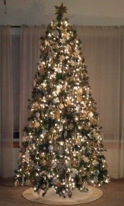 2012 White Gold 9 ft Tree