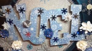 Christmas Noel Charger Plate - Noel Closeup