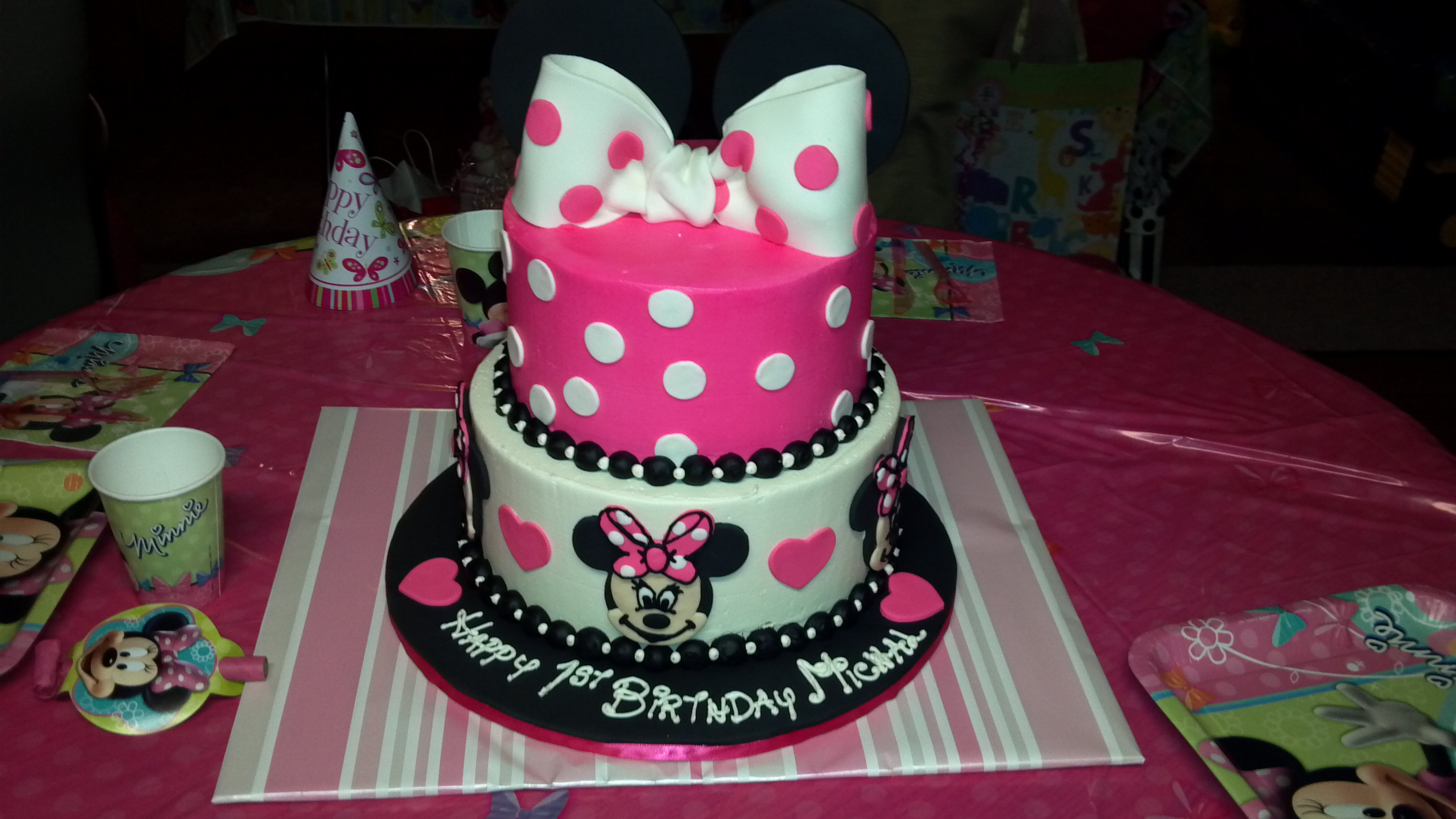 how to make minnie mouse castle cake