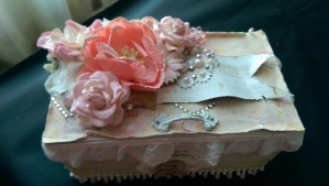 Shabby Box From Tmika View 3