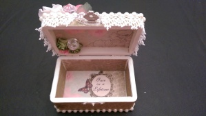 Shabby Box for Tmika Inside