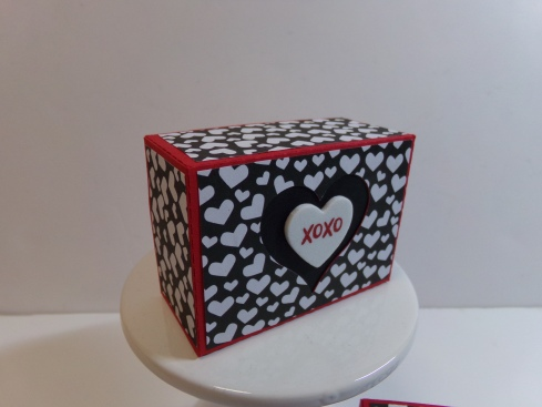 Heart Cut Out Top Nugget Box